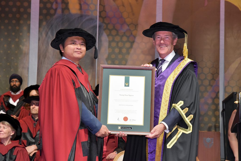 Toan Nguyen and Curtin Chancellor Andrew Crane